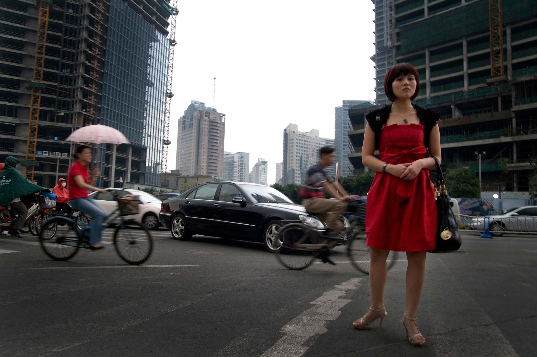 China-Chengdu-Chinese-modern-independent-woman
