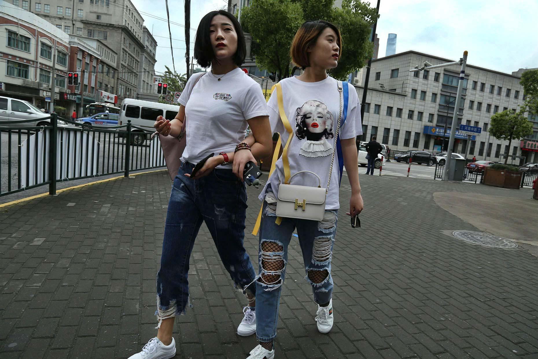 China-Shanghai-girls-street-fashion