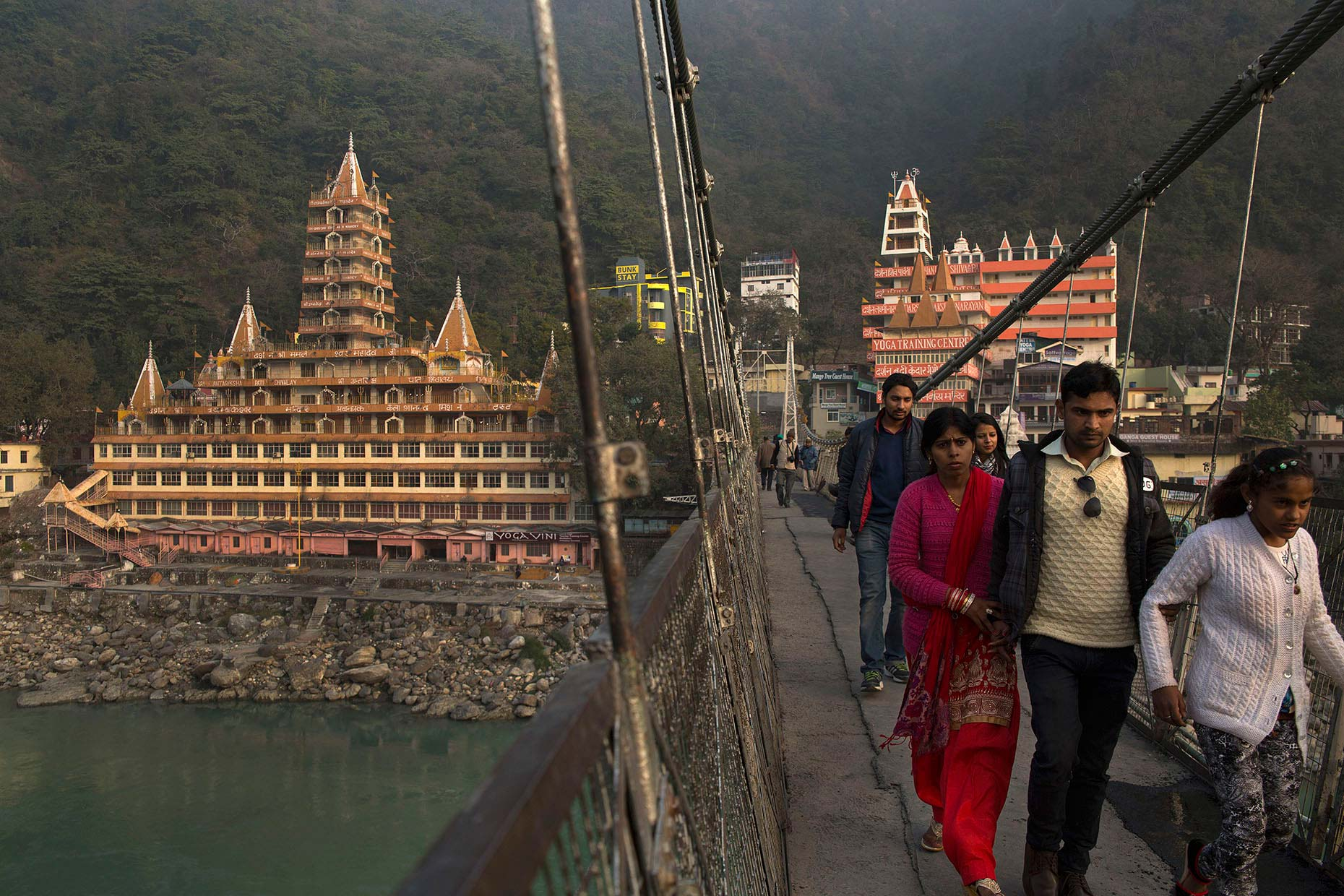 India-Rishikesh-laxman-jula-bridge