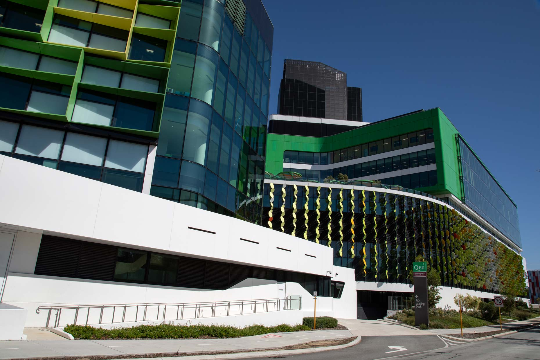 Perth-Childrens-Hospital_exterior_0N8A9872