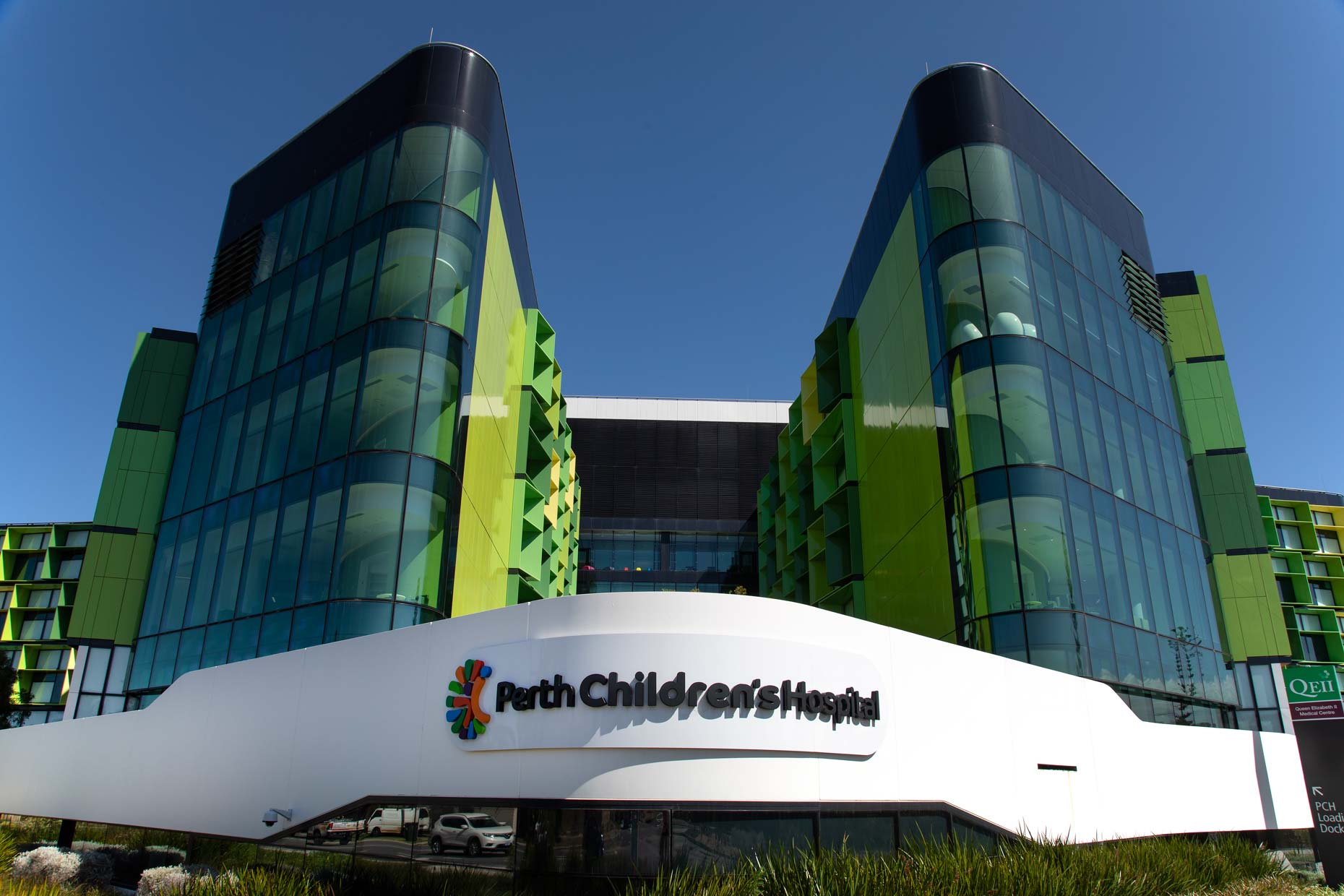 Perth-Childrens-Hospital_exterior_0N8A9887