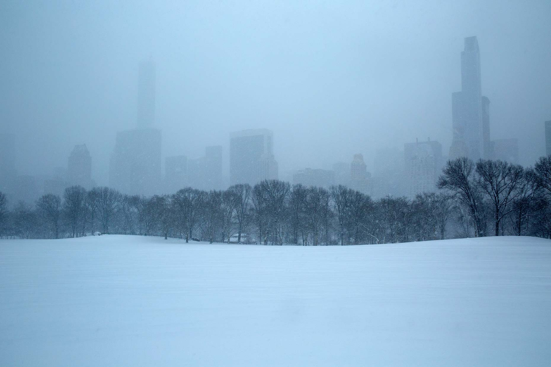 USA-NYC-Central-Park-snow-flurry